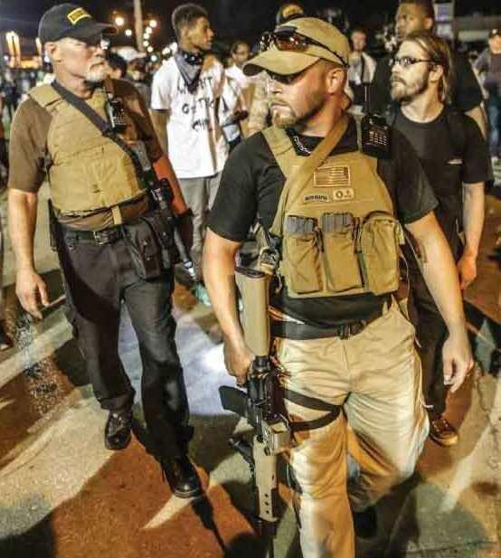 Ferguson'Oath-Keepers'-on-guard